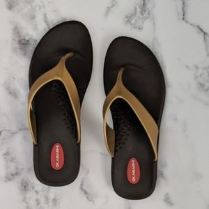 Okabashi Recyclable Gold Brown Sandals